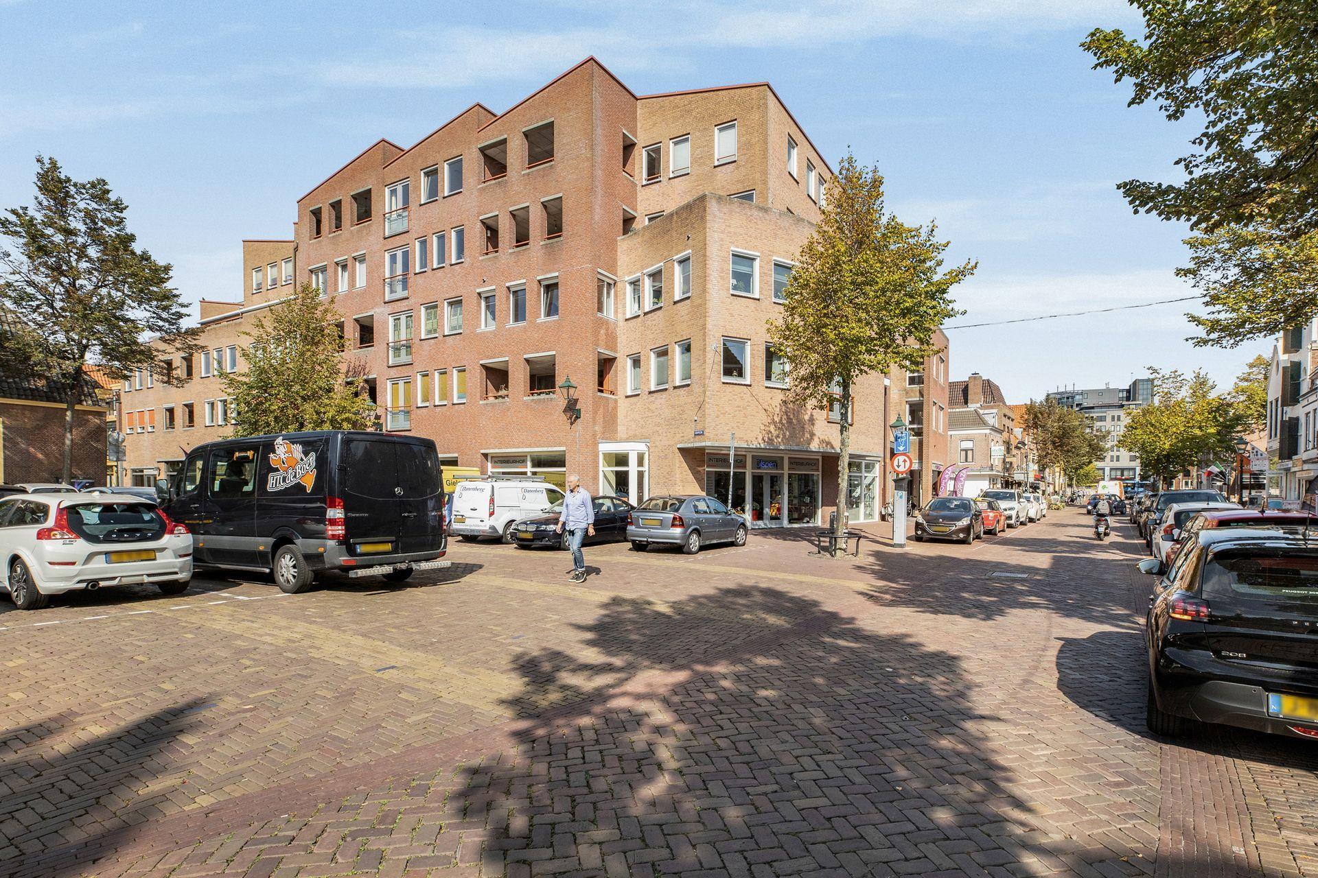 Bekijk de foto van: Hofplein 29, 1811 LE in Alkmaar - Echt Makelaars & Taxateurs